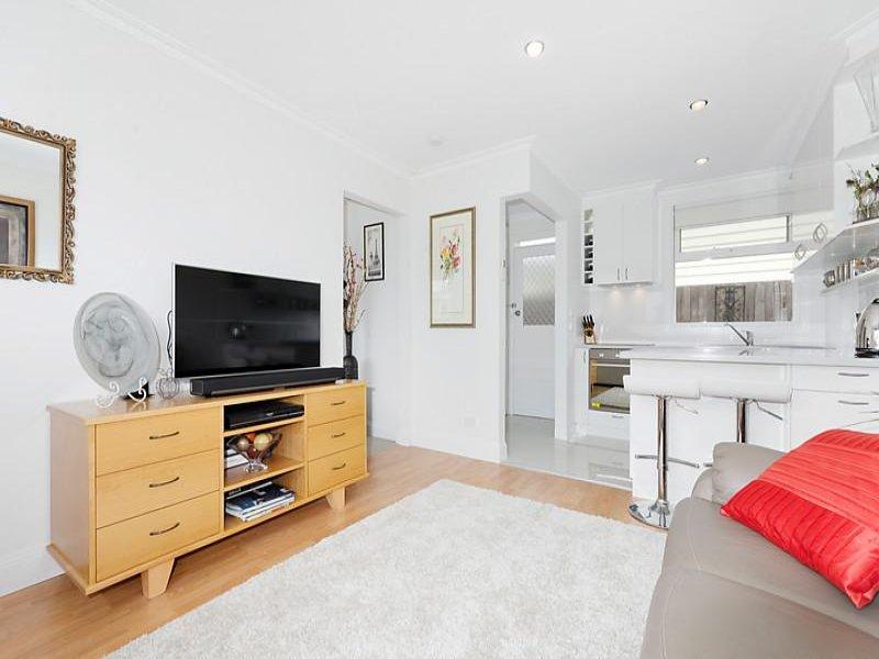 1/2 Martin Street, East Geelong, Vic 3219
