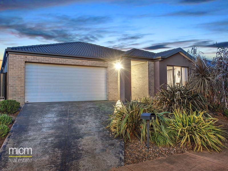 94 Tom Roberts Parade, Point Cook, Vic 3030