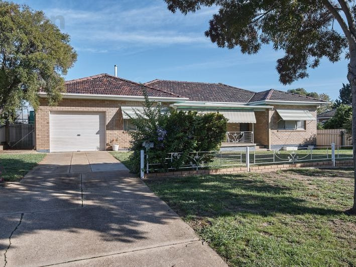 2 Girra Place, Tolland, NSW 2650