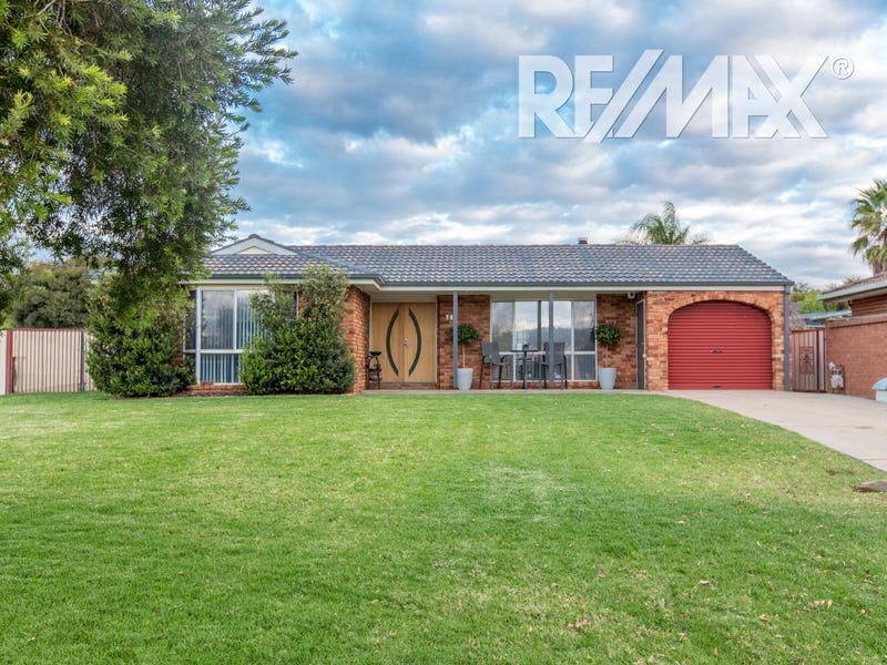 74 Maple Road, Lake Albert, NSW 2650