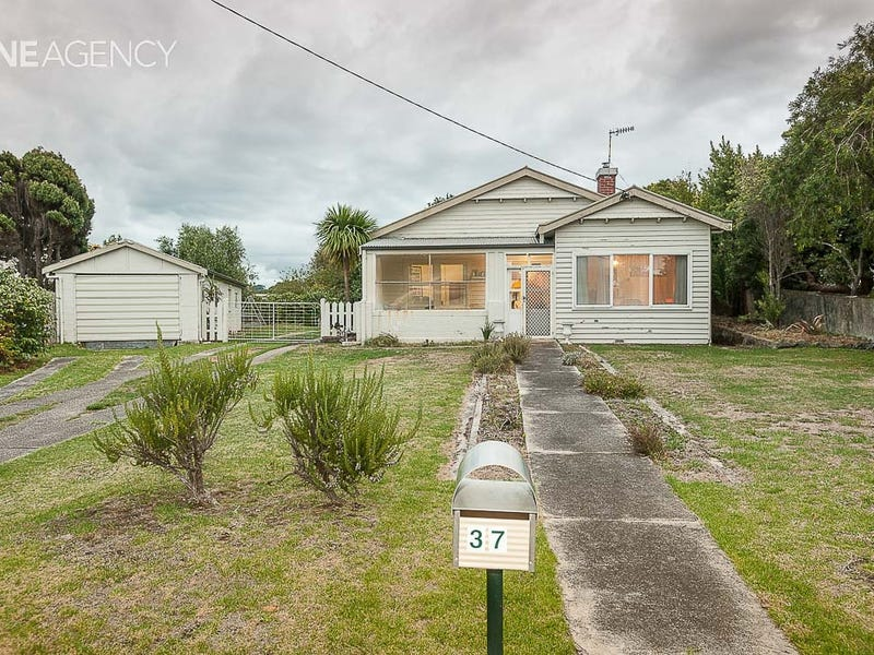 37 Old Bass Highway, Wynyard, Tas 7325