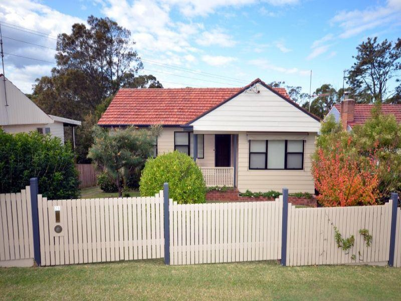 28 Valaud Crescent, Highfields, NSW 2289