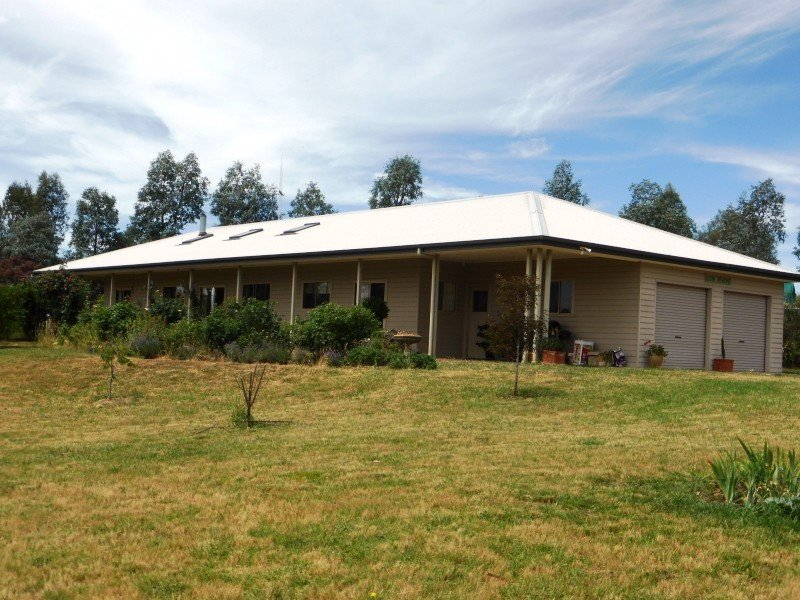 106 Lemmons Road, Borenore, NSW 2800