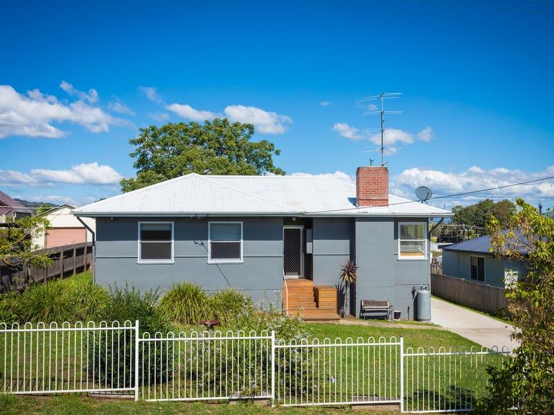 6 Blomfield Avenue, Bega, NSW 2550
