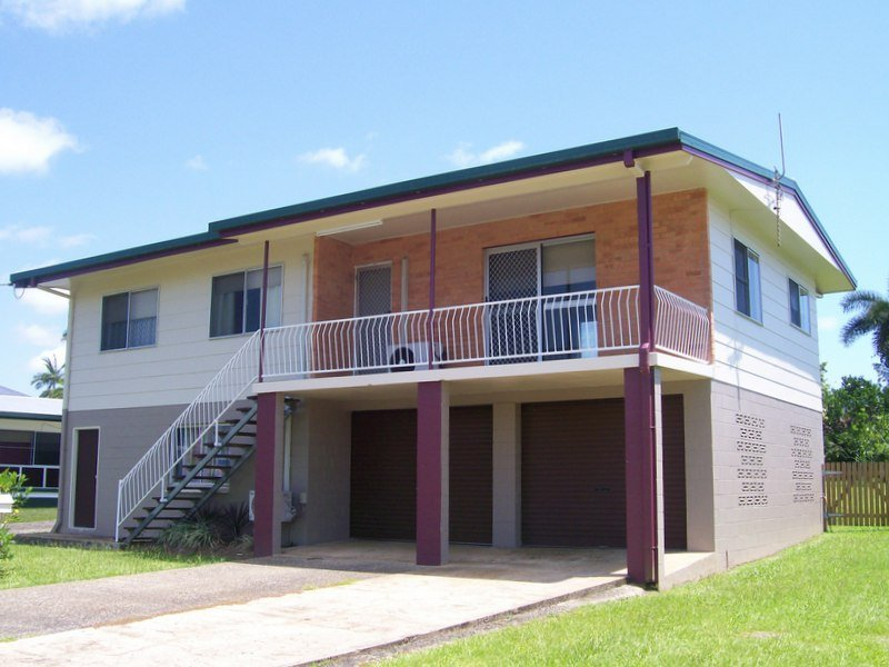 31 Riverside Crescent, Innisfail Estate