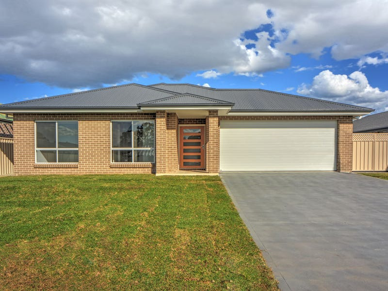 19 Brassia Rise, South Nowra, NSW 2541