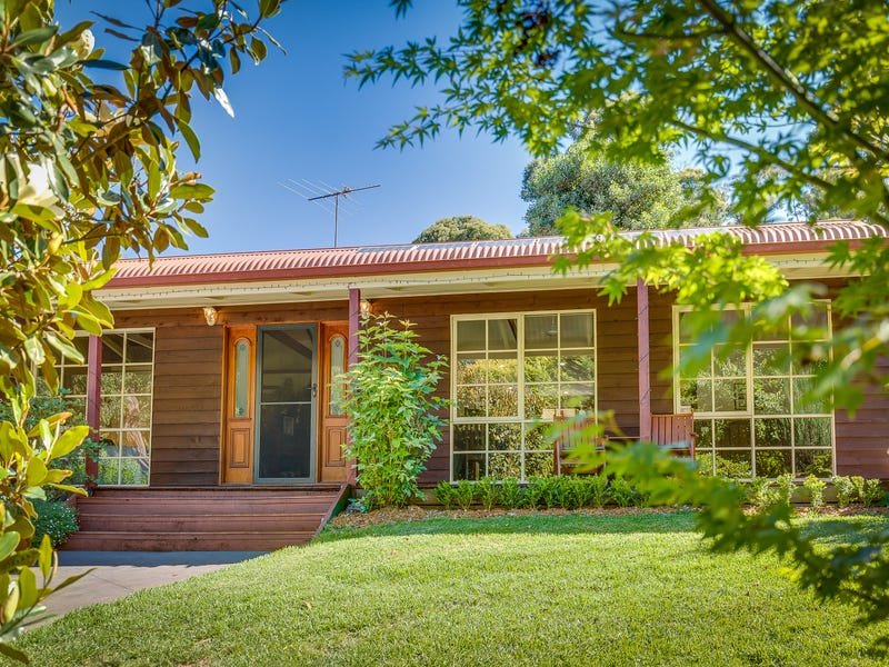 9 Bailey Road, Cockatoo, Vic 3781