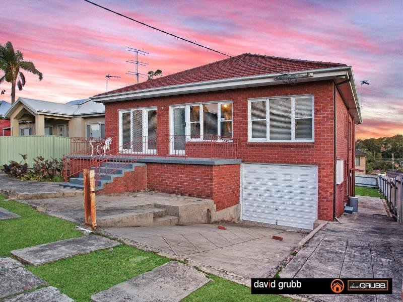 71 Heaslip St, Coniston, NSW 2500