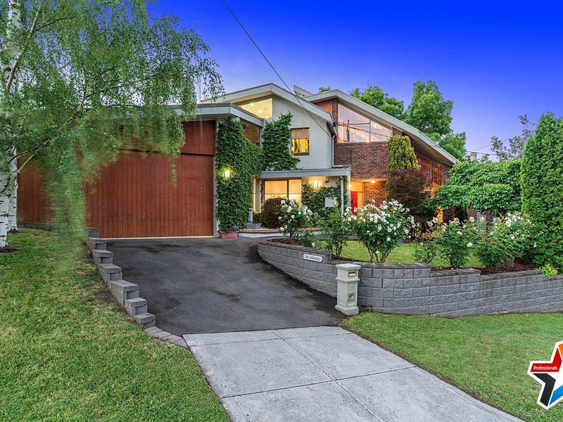13 Drovers Walk, Chirnside Park, Vic 3116