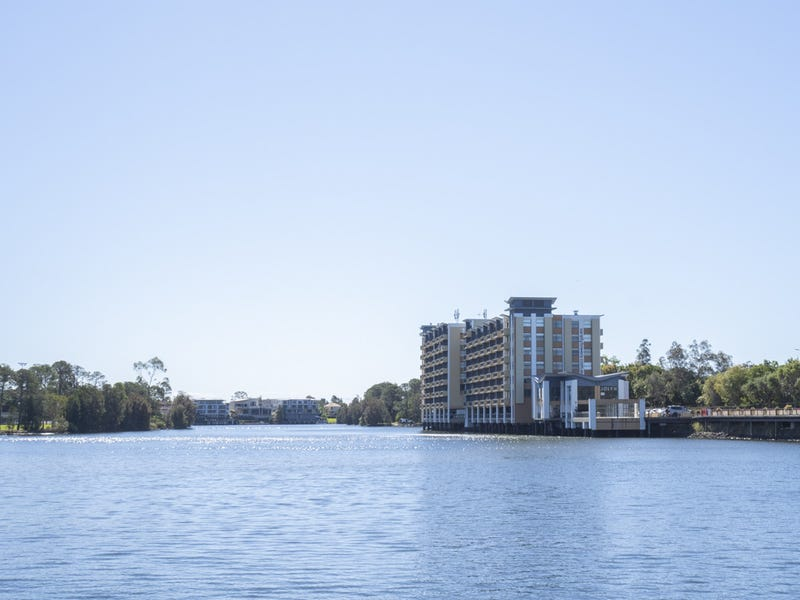 338/25 Lake Orr Drive, Robina, Qld 4226
