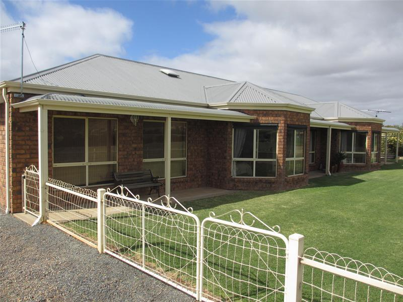 1078 Three Chain Road (off Bundilla Road), Cambrai, SA 5353
