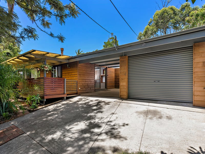 10 Merinda Avenue, Sapphire Beach, NSW 2450