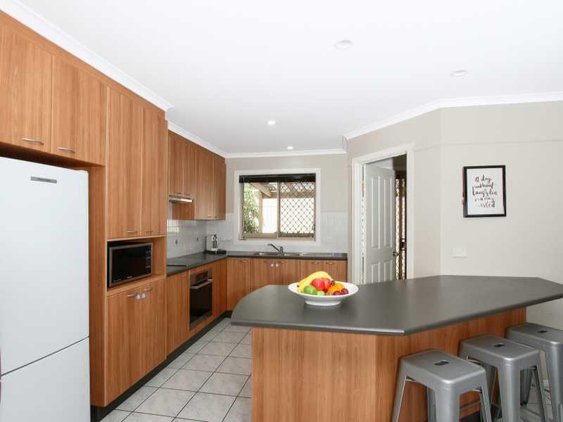 17 Melaleuca Place, Jerrabomberra, NSW 2619