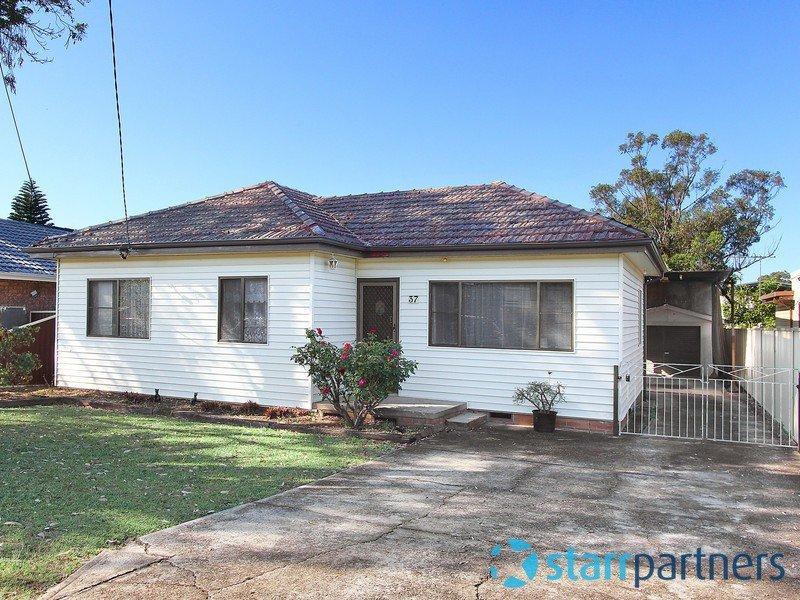 37 Sandra Street, Woodpark, NSW 2164