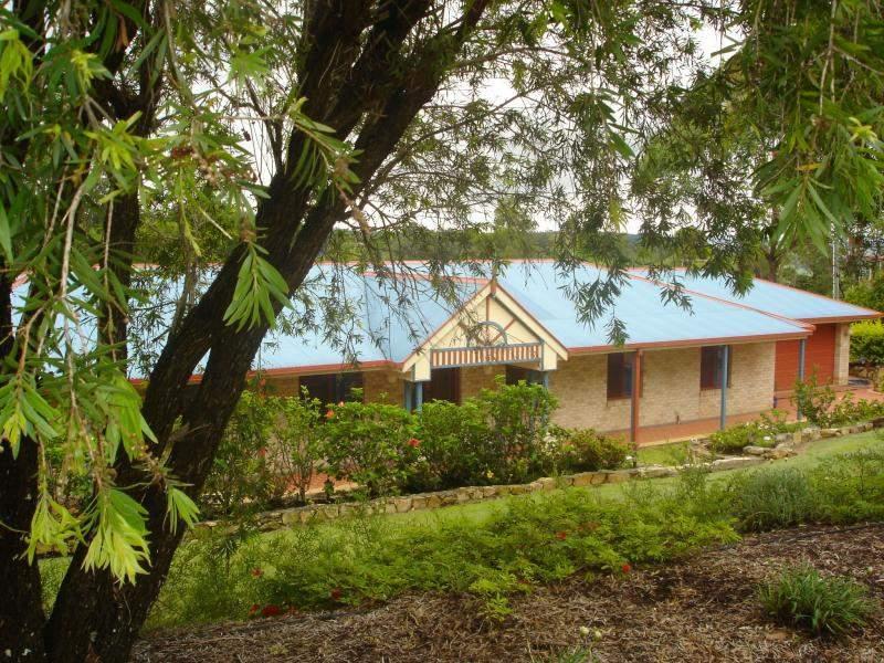 15 Funnell Dr, Modanville, NSW 2480