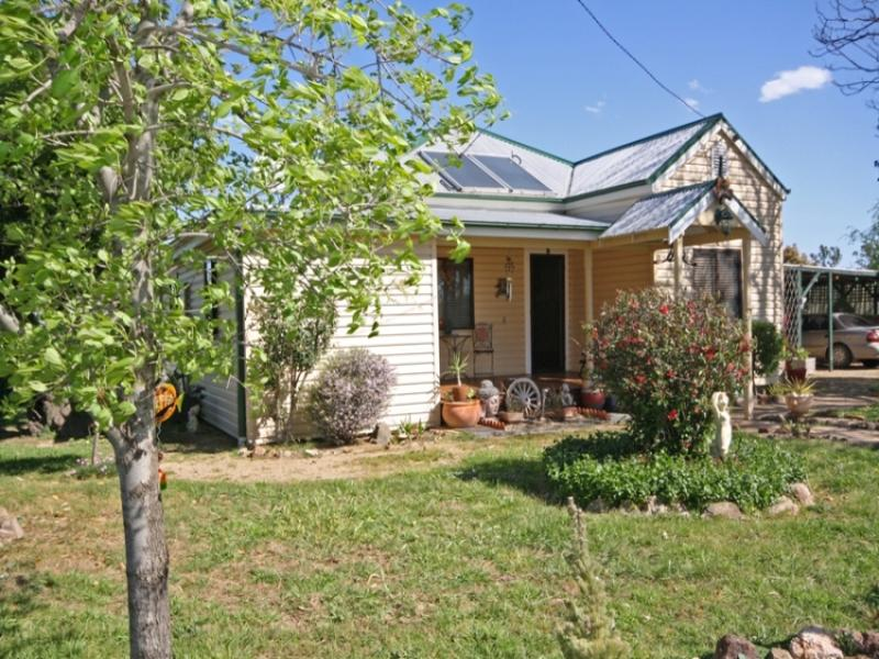 16 Graham Avenue, Gumly Gumly, NSW 2652