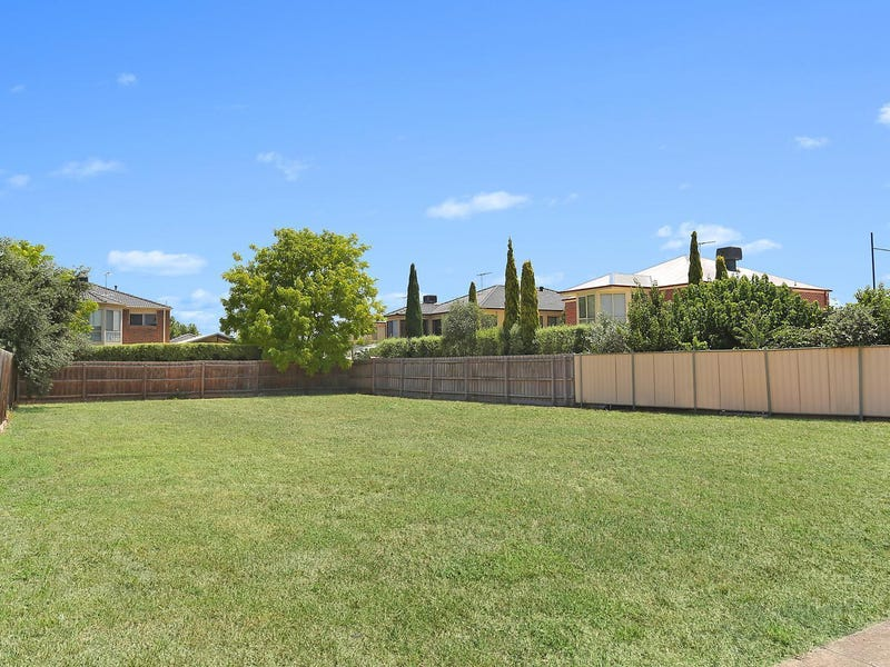 14 Langbourne Court, Point Cook, Vic 3030