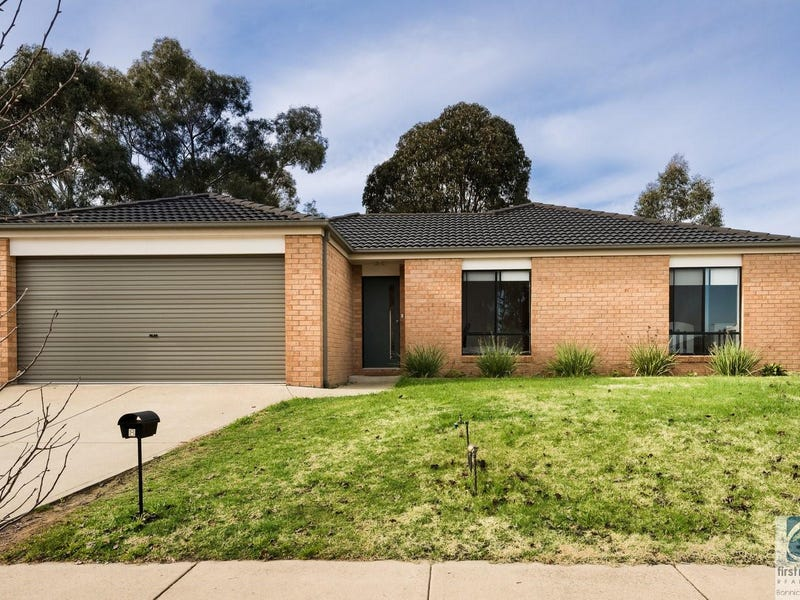 8 Orchard Grove, Beechworth, Vic 3747