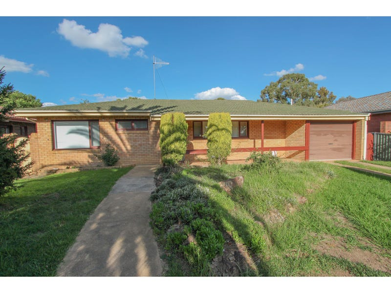 11 Osborne Avenue, Bathurst, NSW 2795