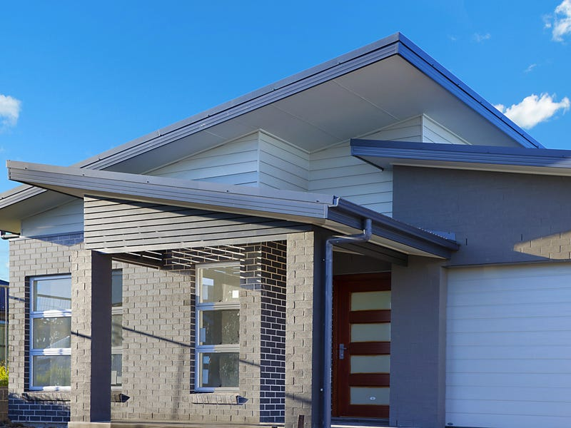 86 Grand Pde, Rutherford