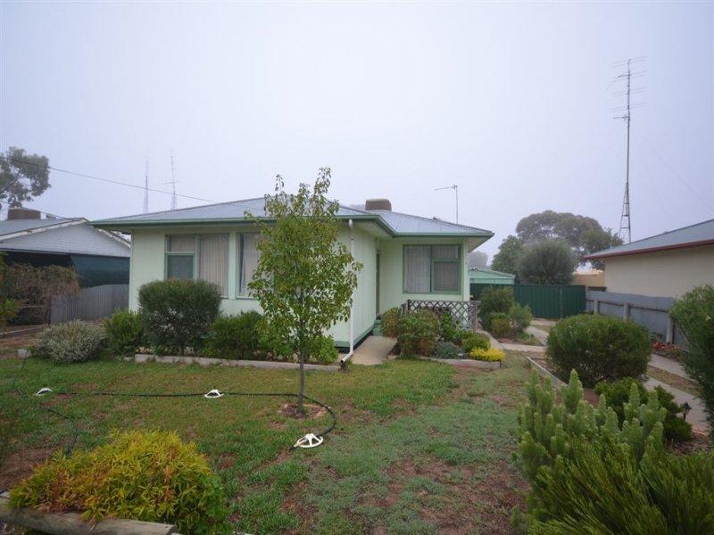 4 Hawkesbury Crescent, Lameroo, SA 5302