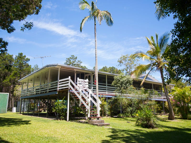 109 The Strand, Bulwer, Qld 4025