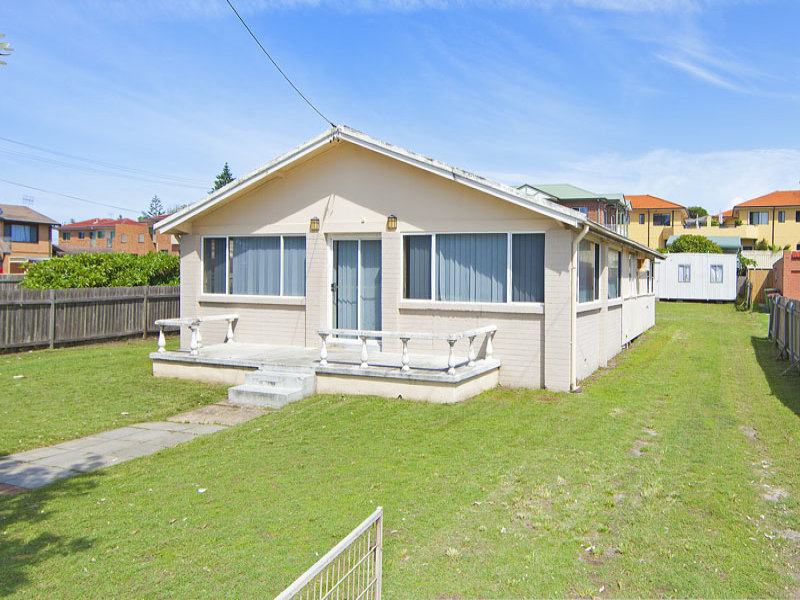 199 Bay Road, Toowoon Bay, NSW 2261
