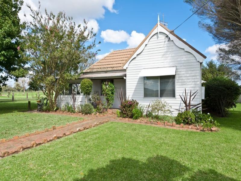 584 Greenwell Point Road, Brundee, NSW 2540