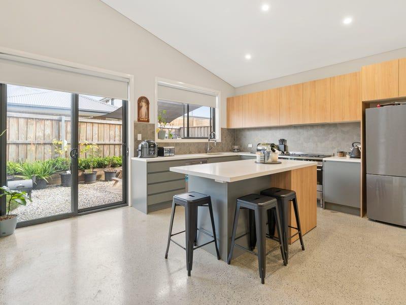 32 Kingsdale avenue, Catherine Field, NSW 2557