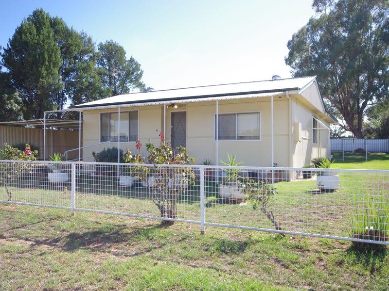 6 Logan Street, Cowra, NSW 2794