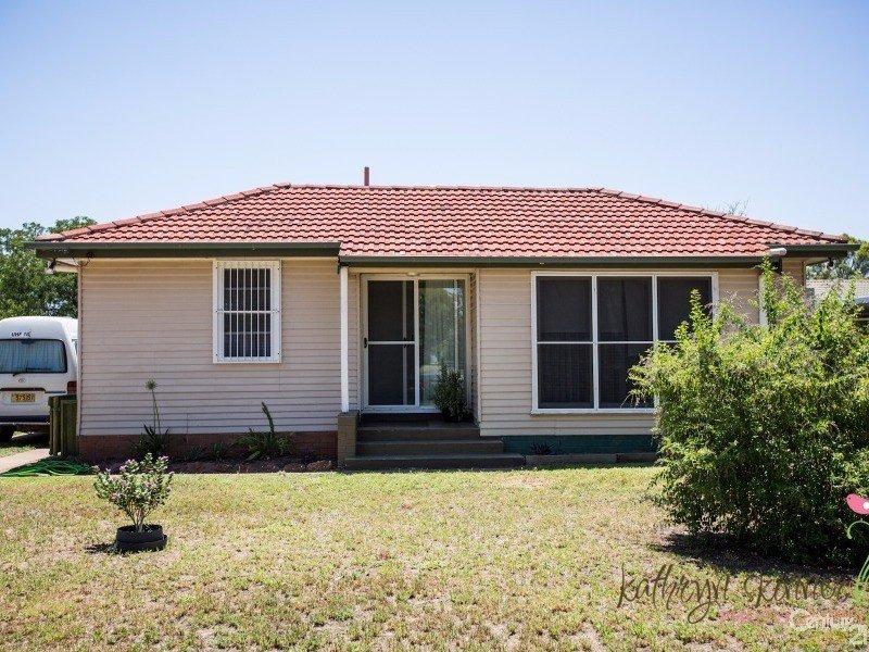 90 Myrtle Street, Gilgandra, NSW 2827