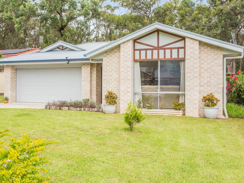 32 Tirabeenba Drive, Bolton Point, NSW 2283