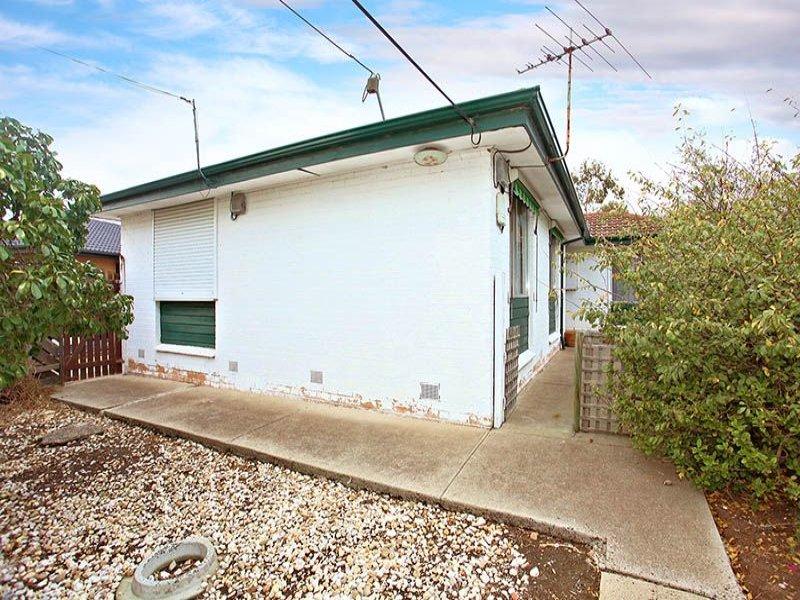14 Learmonth Crescent, Sunshine West, Vic 3020