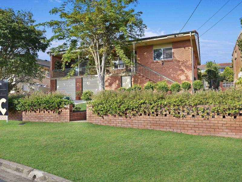 15 Fontaine Street, Stafford Heights, Qld 4053