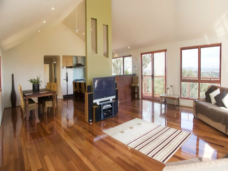 8 Regent Drive, Queanbeyan, NSW 2620