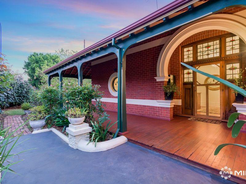 1 Osborne Rd, East Fremantle, WA 6158