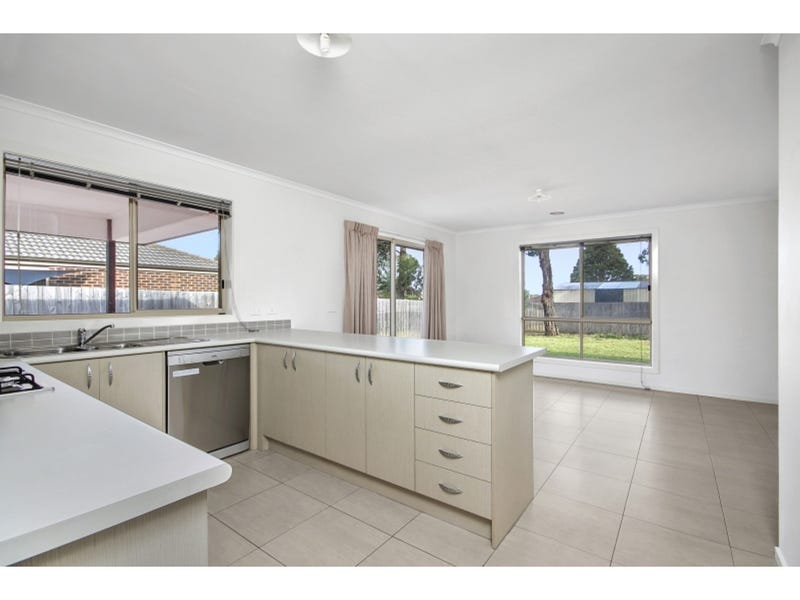 16 Hector Close, Bittern, Vic 3918