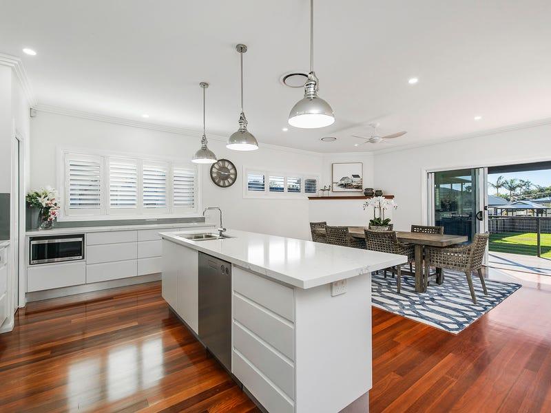7 Main Street, Crescent Head, NSW 2440