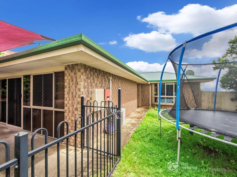 4 Pineneedle Court, Oxenford, Qld 4210