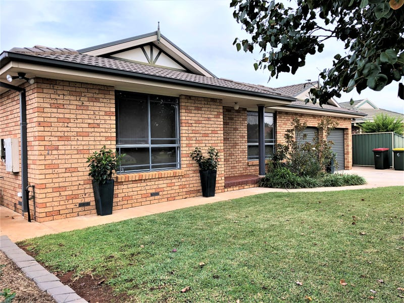 19 Robrick Close, Griffith, NSW 2680