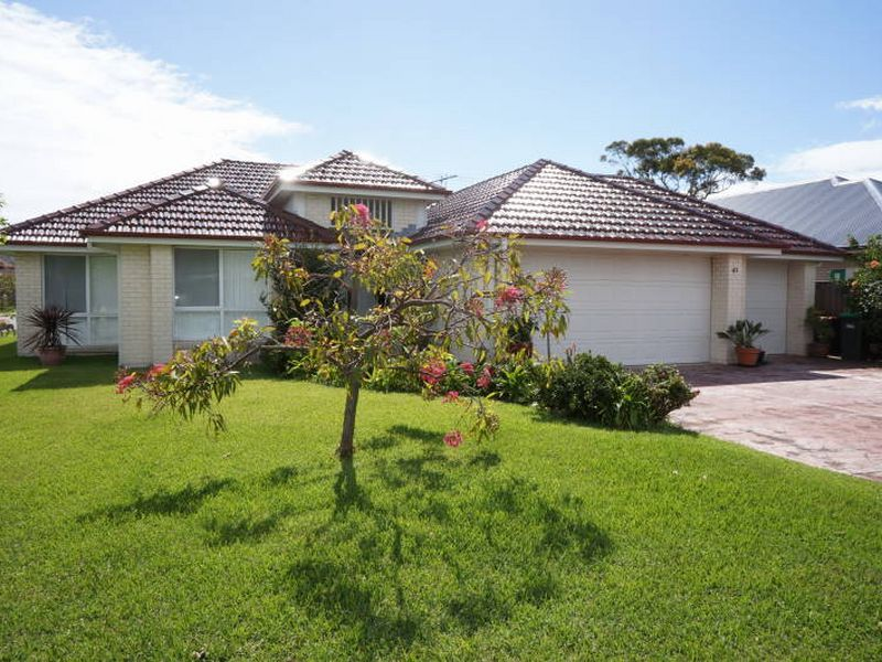 41 Windward Circuit, Tea Gardens, NSW 2324