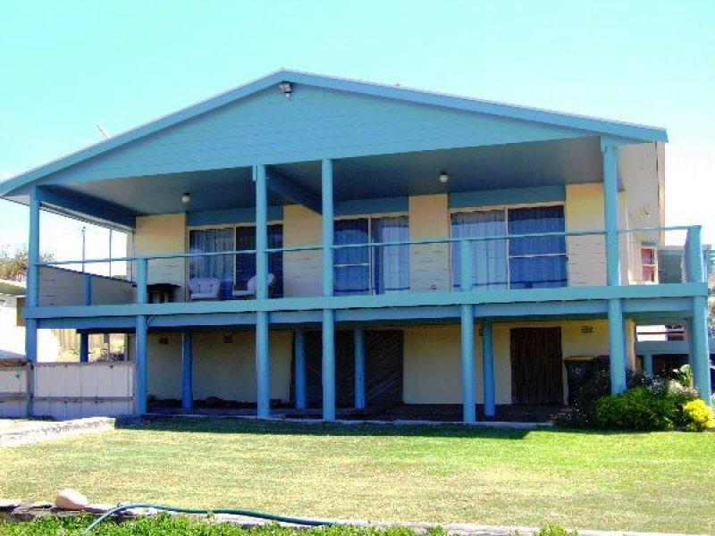 2 Hawthorn Avenue, Emu Bay, SA 5223