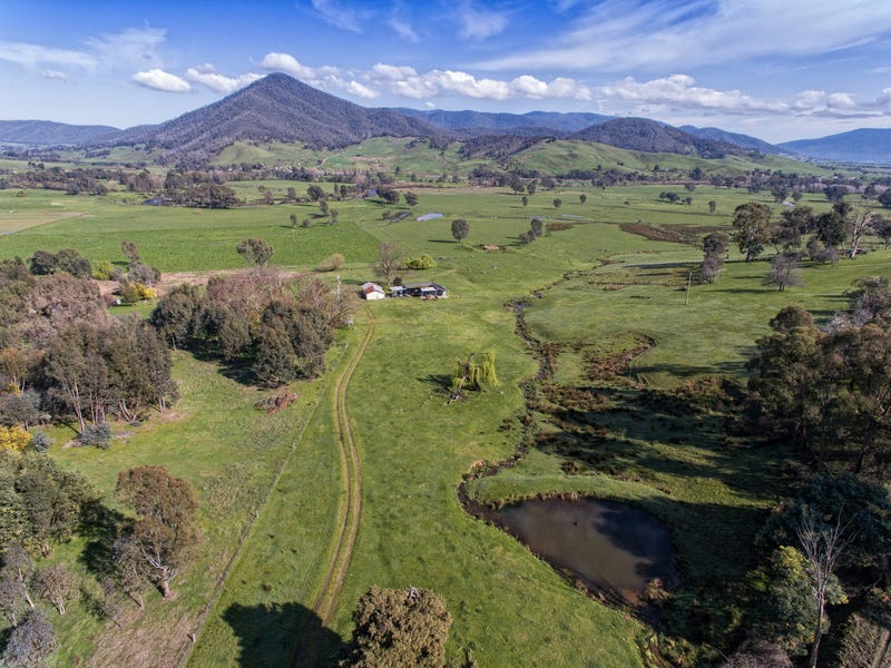 314 Mullagong Road, Upper Gundowring, Vic 3691