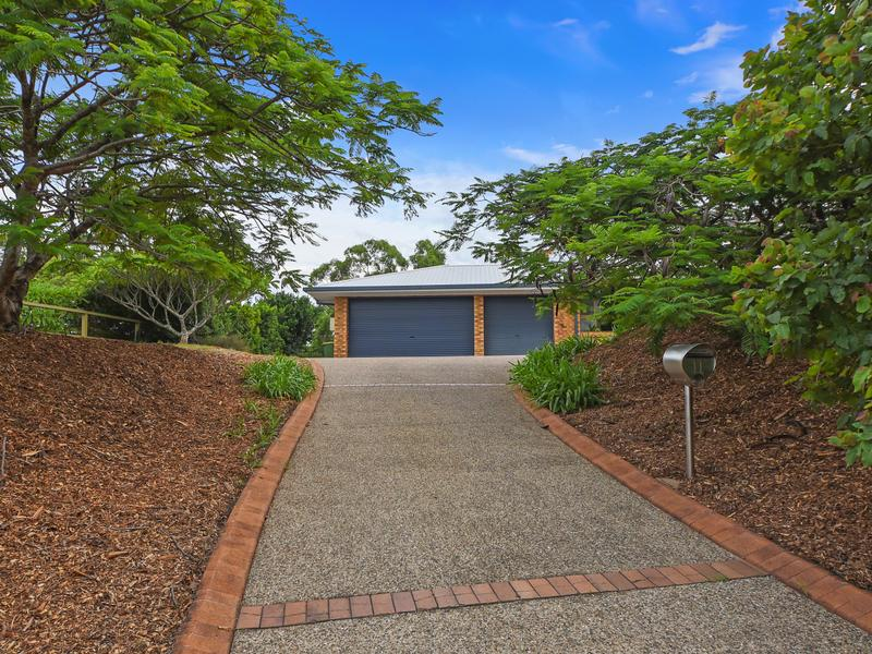 11 Beech Drive, Cashmere, Qld 4500