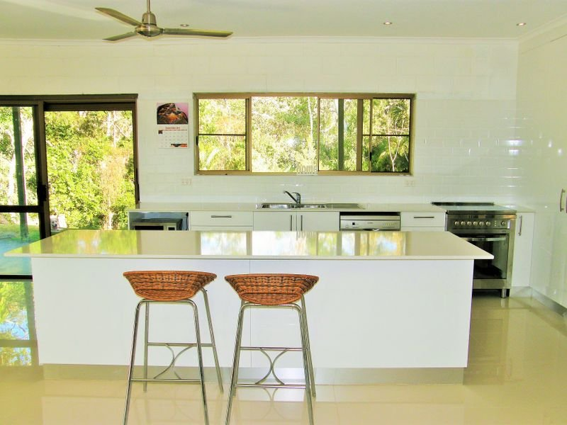 1963 Maraju-Yakapari Rd, The Leap, Qld 4740