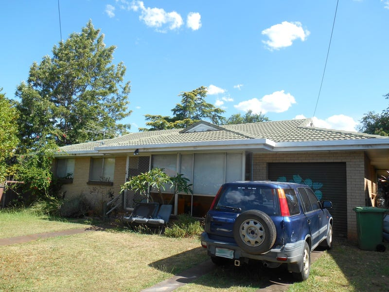 8 Koala Street, Harristown, Qld 4350