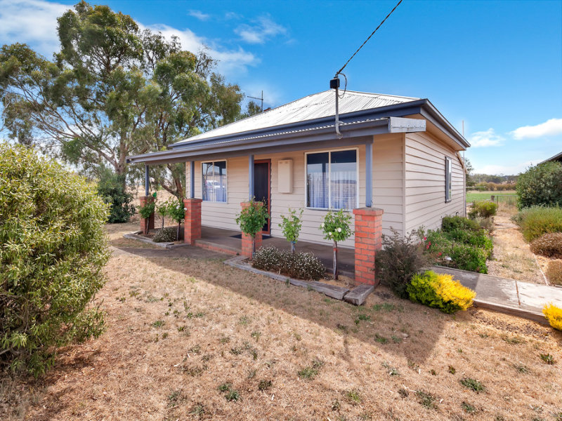 414 Dean-Newlyn Road, Newlyn, Vic 3364