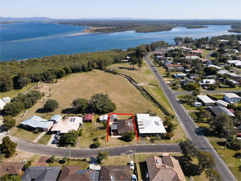 1 Gundaroo Crescent, Iluka, NSW 2466