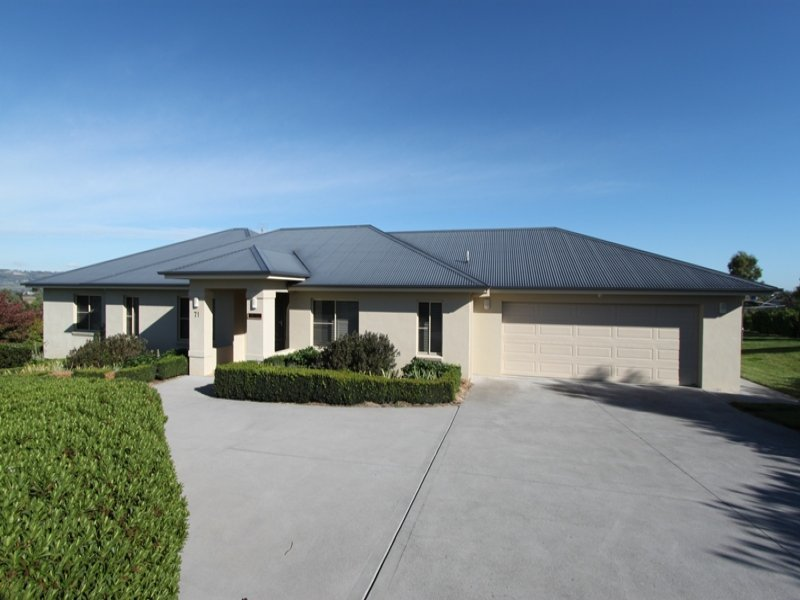 71 Blueridge Drive, Bathurst, NSW 2795
