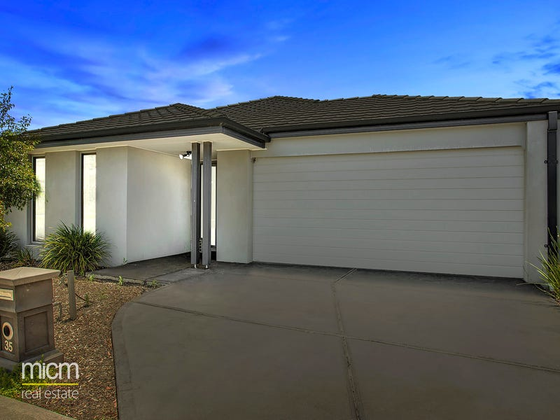 35 Martaban Crescent, Point Cook, Vic 3030